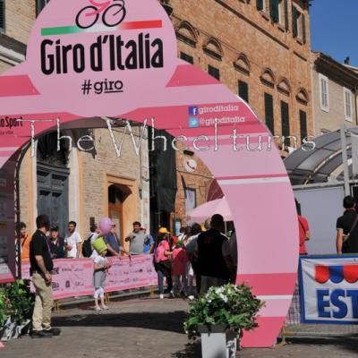 Giro 2012 Stage 7 start by Valérie Herbin (6)