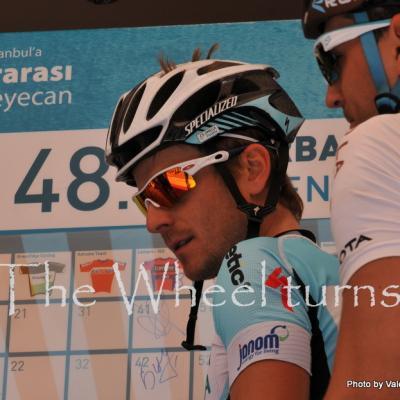 Turkey-Stage 7 start by Valérie Herbin (22)